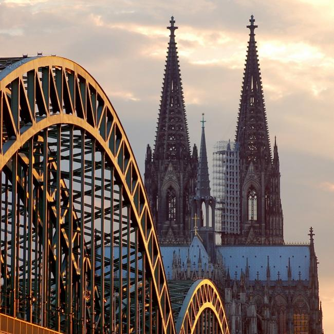 Cologne_cathedral and bridge_koelnmesse